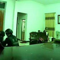 [VIDEO] Así fue una de las redadas de la policía en Wukan, el único pueblo con un gobernante elegido democráticamente en China