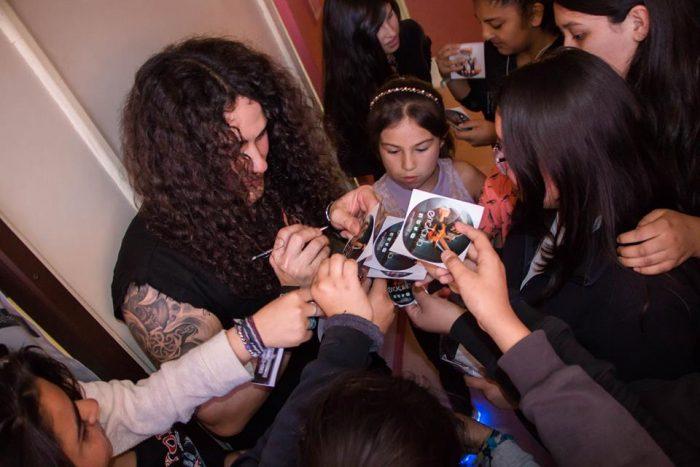 Sellos independientes inundan de rock colegios de Santiago