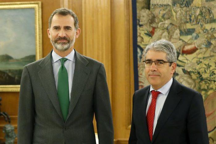 España: Felipe VI abre consultas mientras partidos se preparan para designación Rajoy