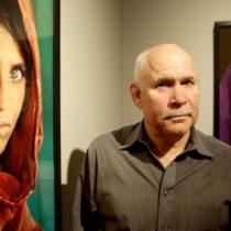 Por qué Pakistán encarceló a la mujer de la famosa foto de la