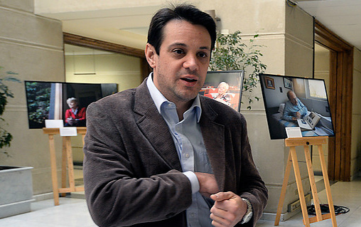 Gaspar Rivas no llegó a audiencia con Luksic: juez dicta orden de detención contra el desaforado diputado