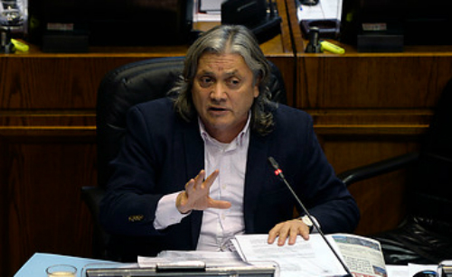 Senador Navarro por tramitación de ley exprés: