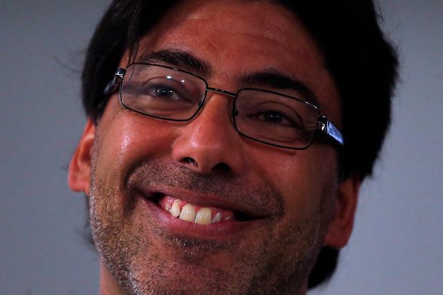 Farmacias populares le dan a Jadue la victoria: el PC se impone en Recoleta con el 56%