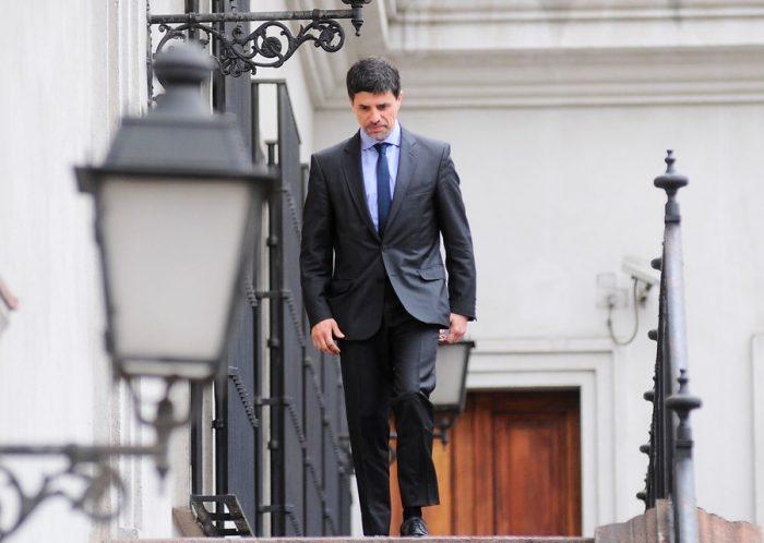 Intenso movimiento en La Moneda por inminente cambio de gabinete