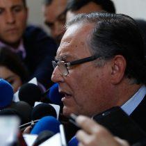 Monckeberg exige la renuncia del nuevo ministro Campos