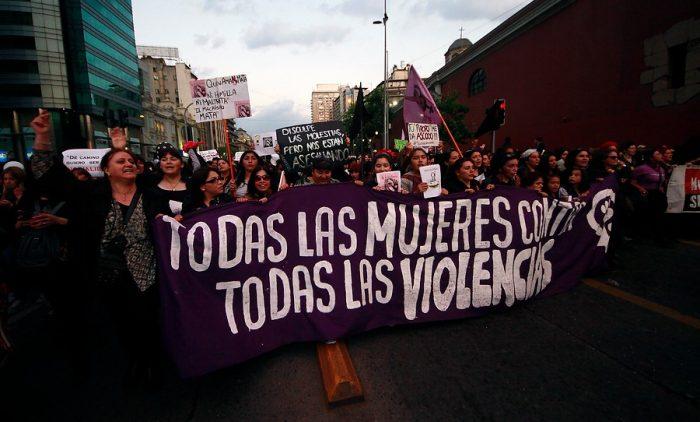 #NiUnaMenos: Miles de personas marchan a lo largo de Chile en contra de la violencia hacia las mujeres