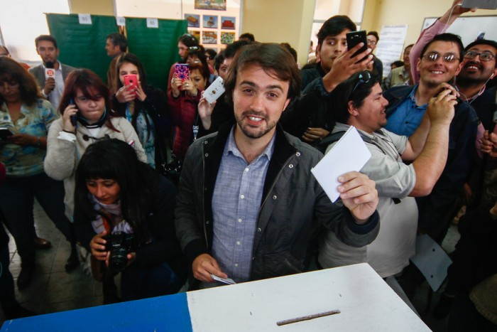 Sharp anuncia que revisará legalidad de proyectos inmobiliarios en Valparaíso