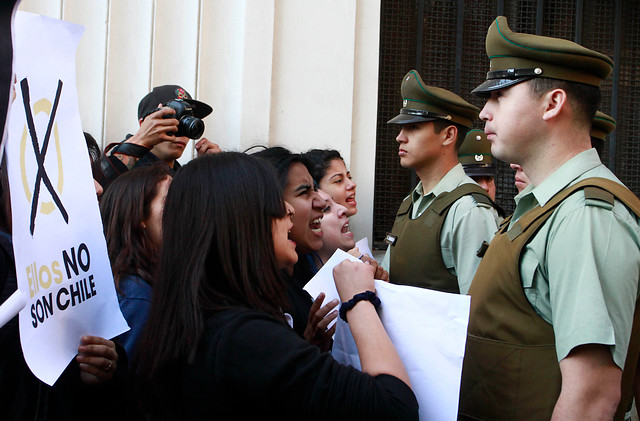 Desalojan a estudiantes tras toma del Servicio Electoral: