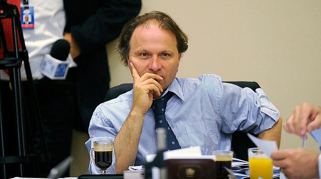 Senador De Urresti (PS):