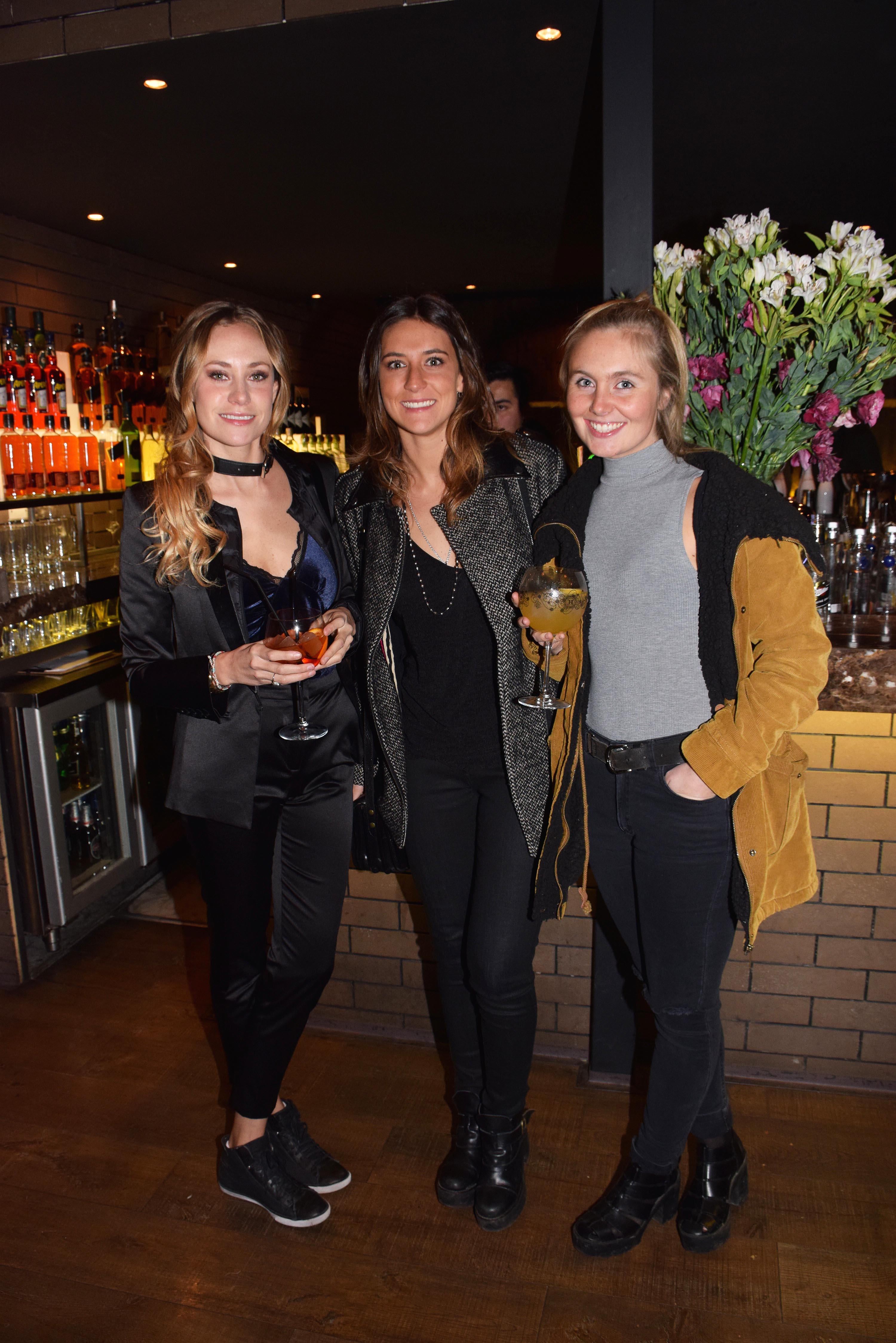 Antonia Bulnes, Antonia Baselli y Barbara Deck