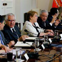 Bachelet no les cree a las encuestas: