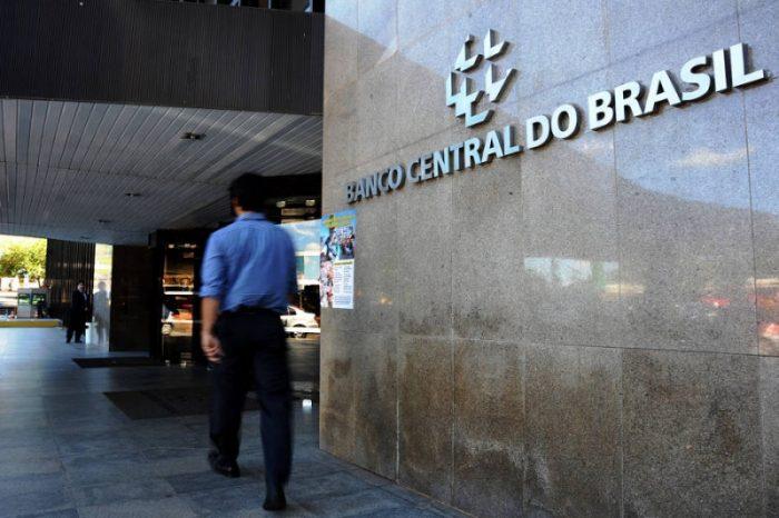 Brasil baja tasa de interés de referencia por 1a. vez desde 2012