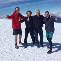 Piñera y el club de la derecha de weekend en el Volcán Osorno