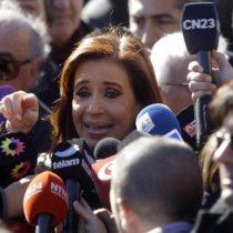 Tesoro argentino pide que Cristina Fernández deje de cobrar dos pensiones