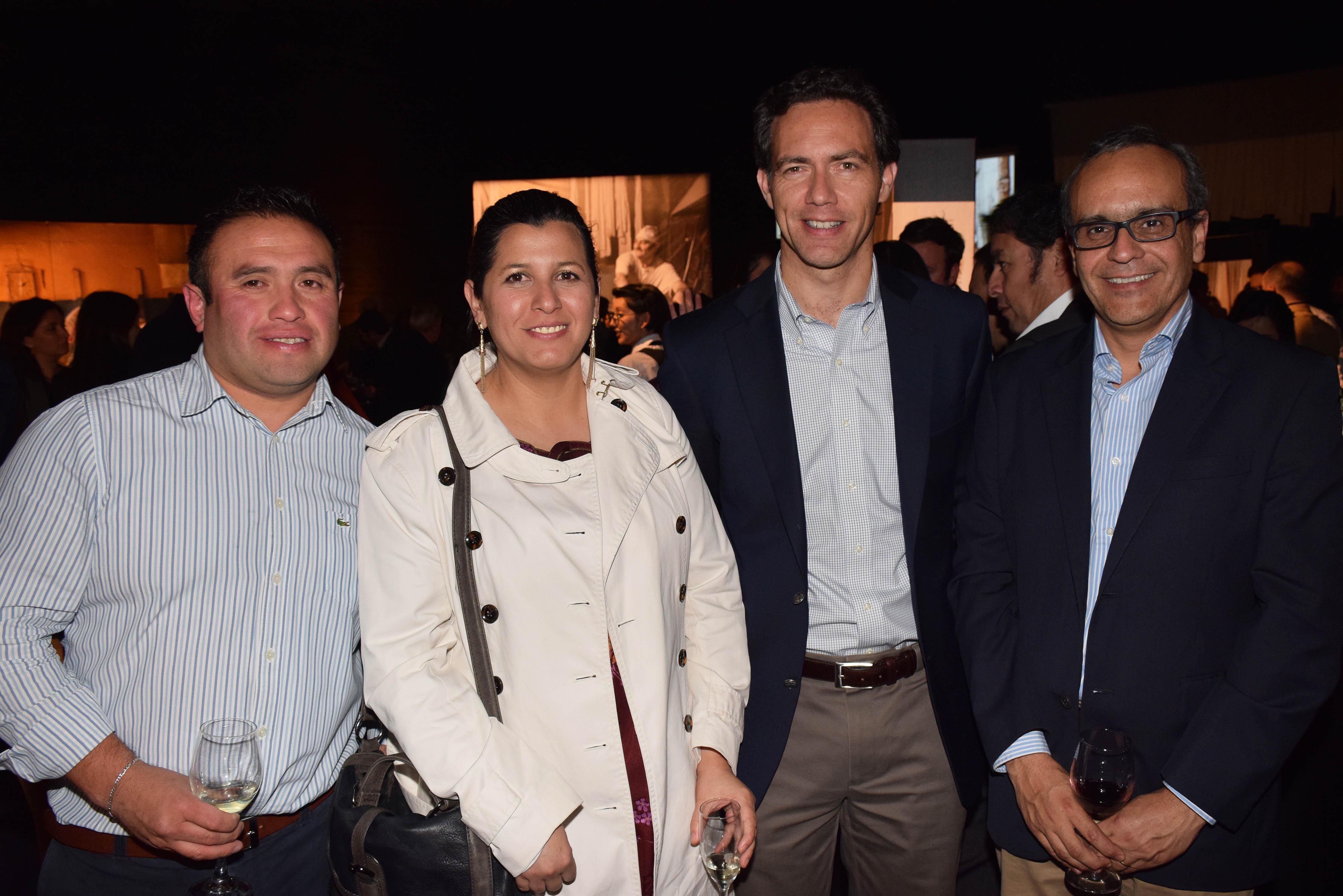 Mauricio Lastra, Valeria Valdés, Mauricio Ríos y Raúl Carreño.