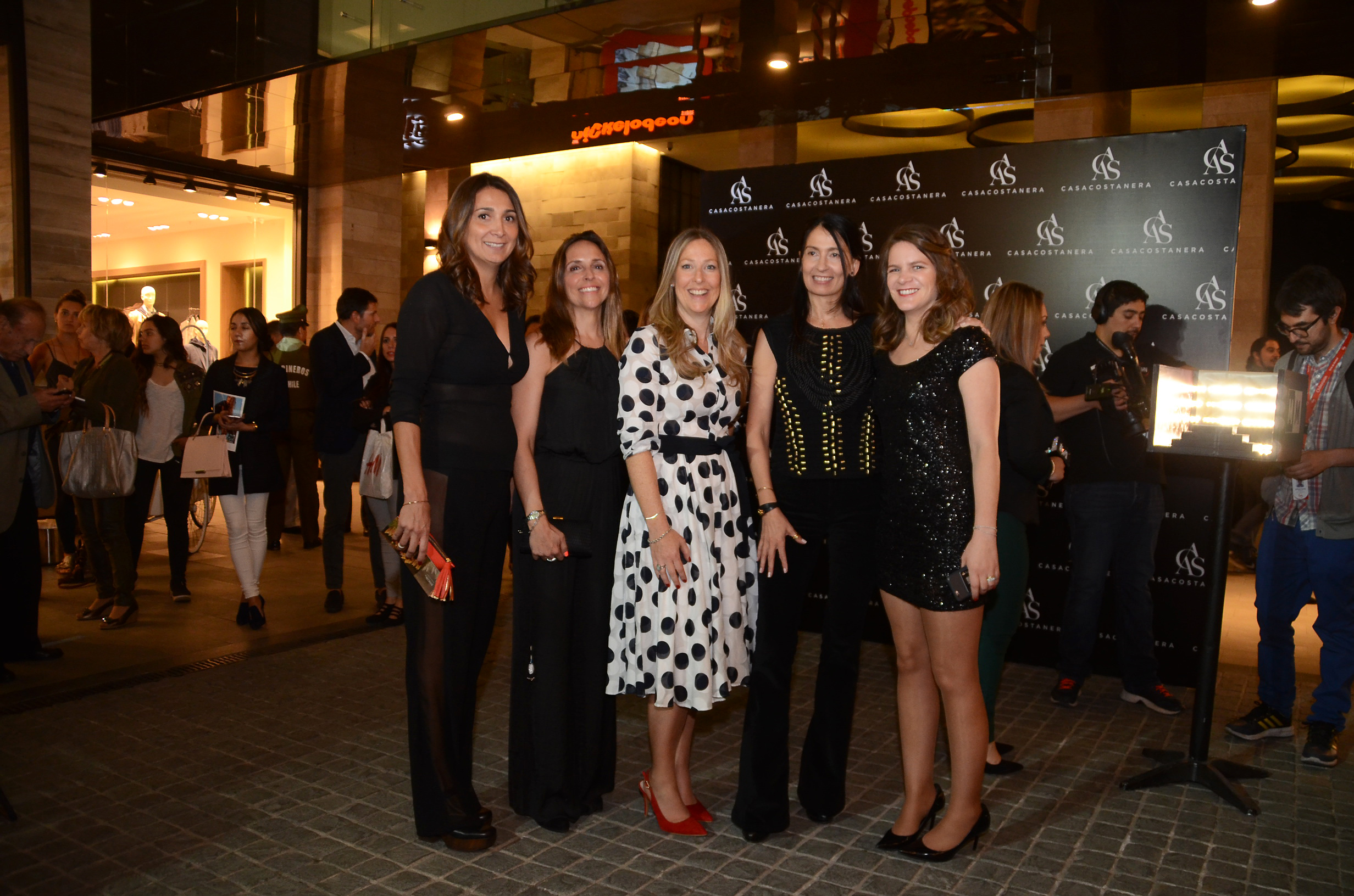 Pamela Durruty, Ximena Vargas, Ilana Sarner, Paola Durruty y Patricia Gómez.