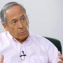 José Piñera saca de su maleta el sistema de AFP y lo vende como