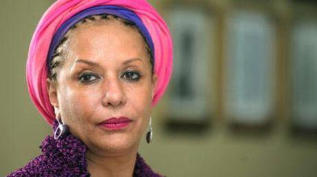 Ex senadora partidaria de la FARC es retenida en el aeropuerto por la PDI