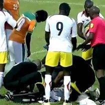 [VIDEO] Rápida acción del futbolista Serge Aurier salva la vida de su contrincante en eliminatorias a Rusia 2018