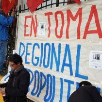 Trabajadores del Sename se toman oficina de Ñuñoa como gesto de solidaridad