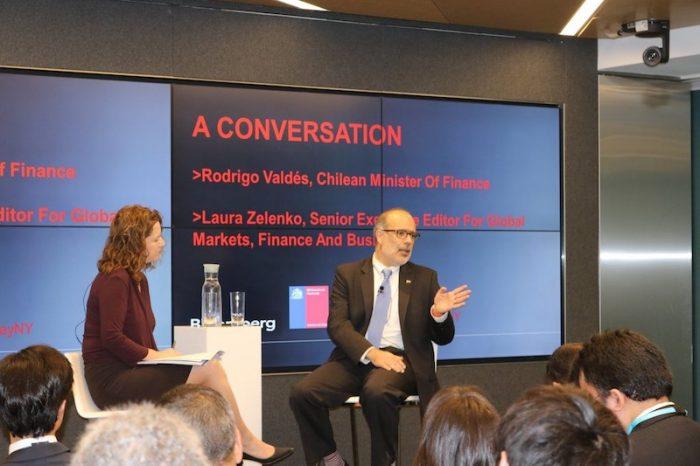 El mensaje del ministro Valdés a inversionistas en Nueva York: Chile debe ir más allá de lo que está a mano para crecer