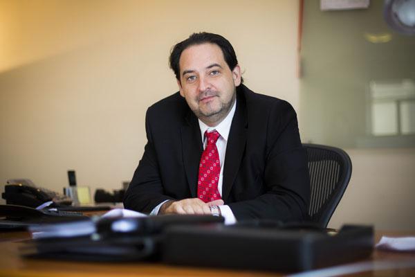 Ex ministro de Energía rechazó dichos de Pacheco sobre medidores inteligentes: