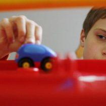 Enseñar a los padres a conectar con sus hijos autistas mejora los síntomas