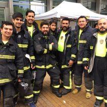 [FOTOS] 500 bomberos suben los 60 pisos del Costanera Center para promover la donación de órganos