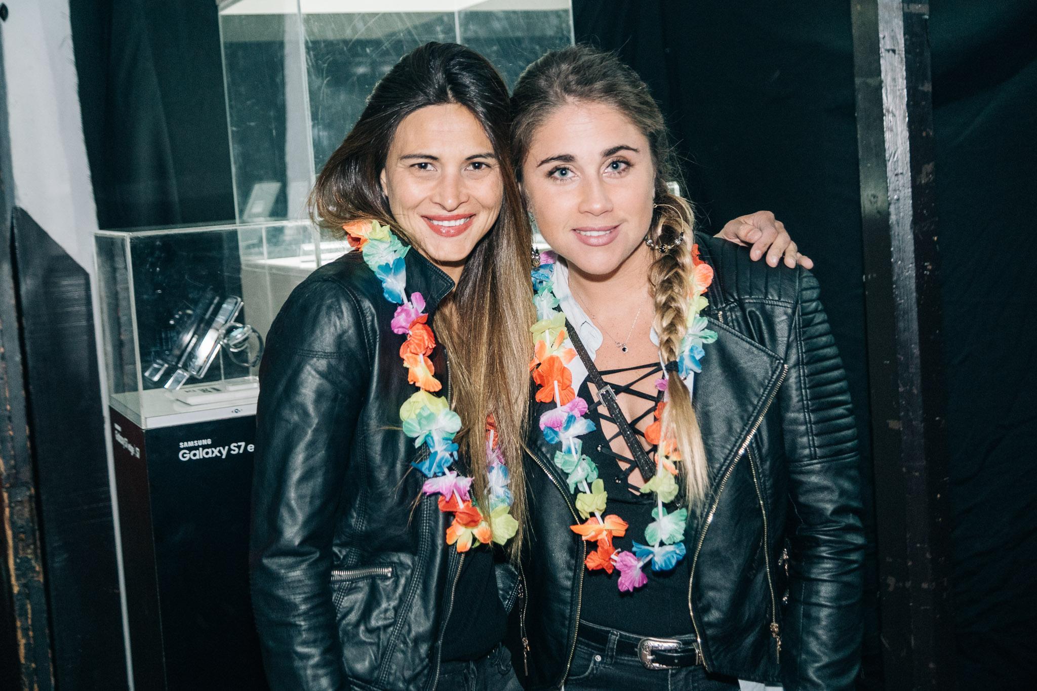 Carolina Olivares y Francisca Montenegro.