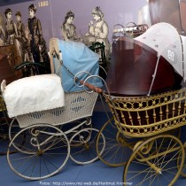 Bebés sobre ruedas: museo alemán presenta un siglo de cochecitos