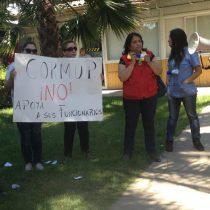 Trabajadores de Cesfam critican voltereta de alcaldesa de Peñalolén tras ser reelecta