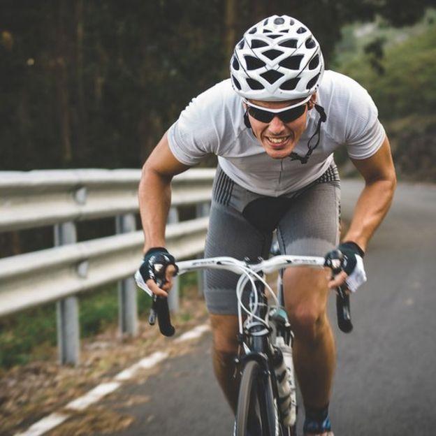 Lo mejor de la bicicleta es que no produce impacto a las articulaciones.