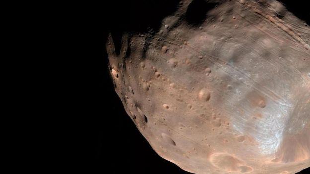 Fobos es una de las lunas de Marte.