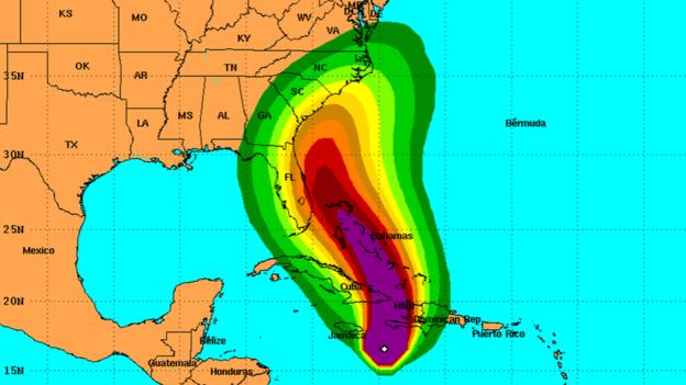 El pronóstico del Centro Nacional de Huracánes muestra que Matthew continuará su desplazamiento hacia el noroeste durante los siguientes cuatro días.