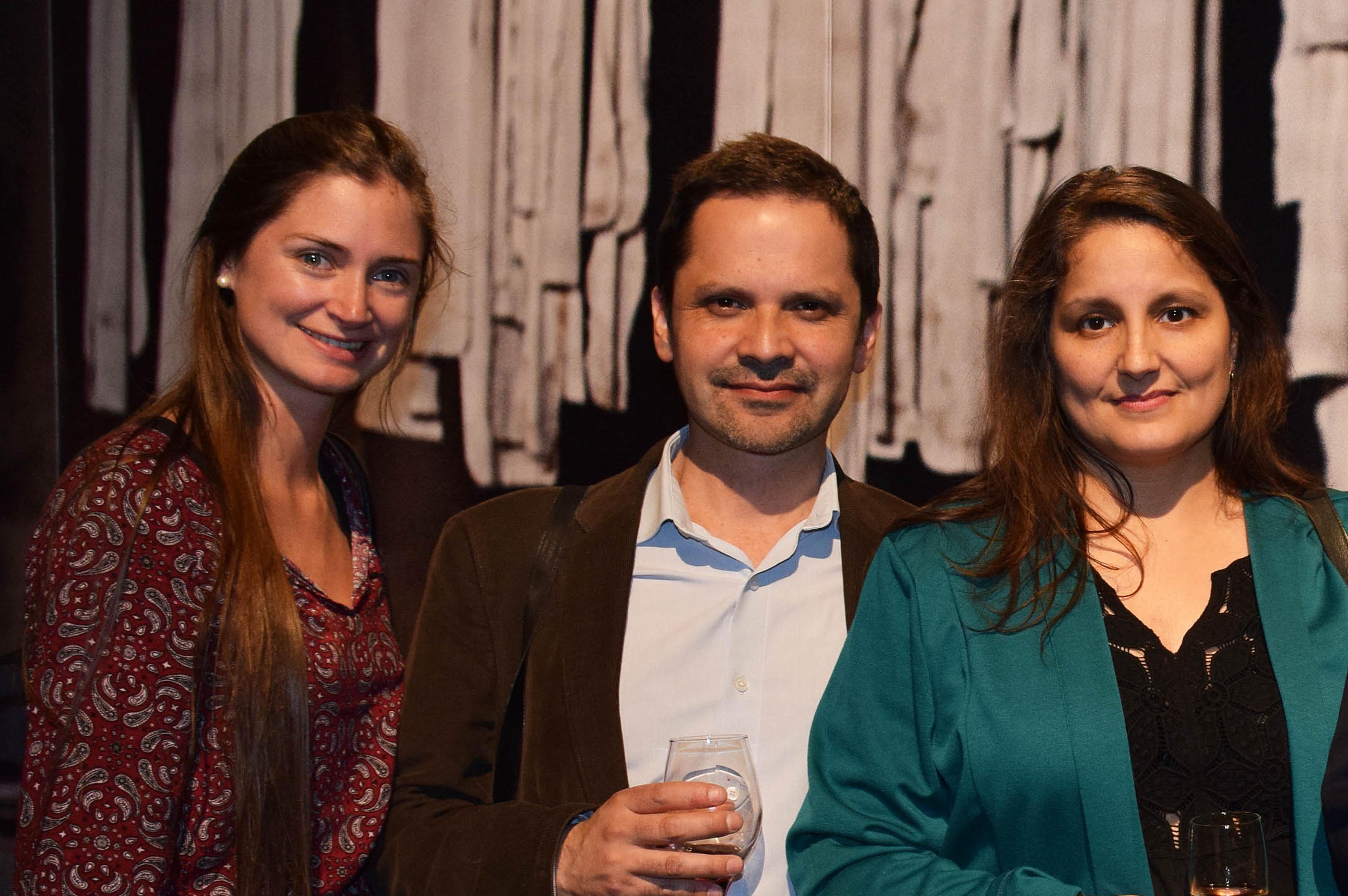 Rosario Errázuriz, Gabriel Angulo y Acklla Mendieta.