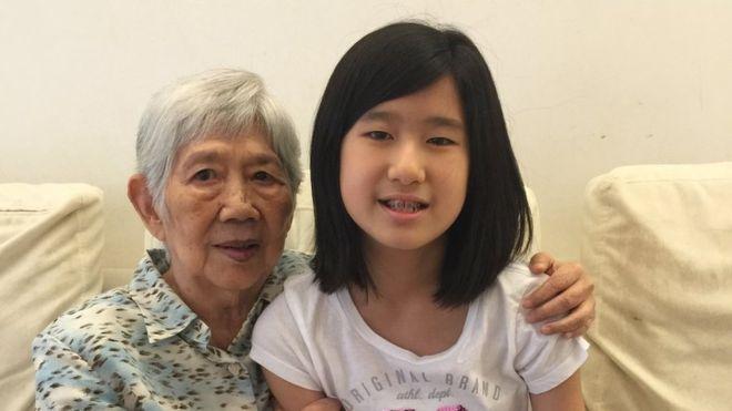 La tierna historia de la niña de 12 años que creó una app para comunicarse con su abuela que sufre de Alzheimer