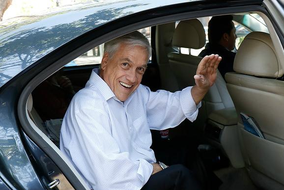 Piñera descorcha champaña: derecha gana comunas emblemáticas de Santiago