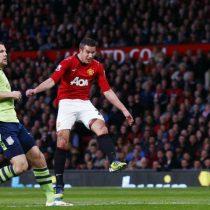 [VIDEO] Volea de Robin Van Persie es elegido como el mejor gol de la historia de la Premier League