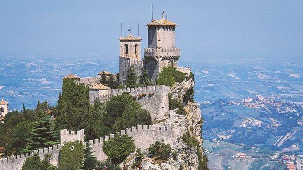 San Marino renueva a su pareja de jefes de Estado cada seis meses.