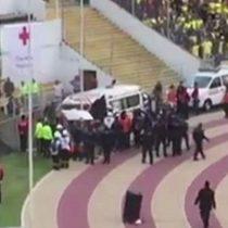 [VIDEO] El momento en que la policía persigue a Enner Valencia mientras se lo llevan en ambulancia