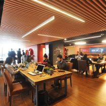 Santander revoluciona la forma de hacer banca en Chile: abrió dos cafeterías para acercarse a la comunidad