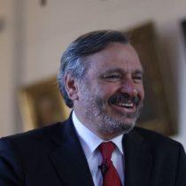 """Pablo Ruiz-Tagle y su nuevo libro: """"No, no estamos viviendo bajo la Constitución de la dictadura de Pinochet"""""""