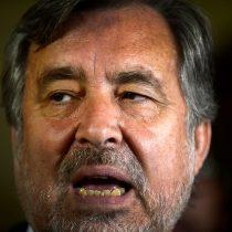 Guillier sale en defensa de Bachelet: