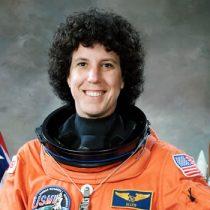 Ellen Baker, astronauta: