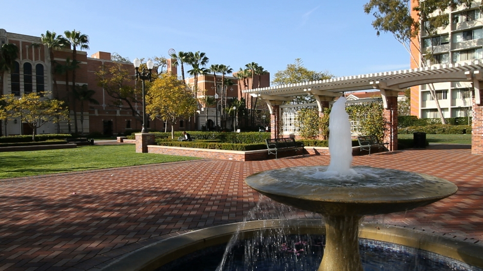 GG Films - USC Small Fountain