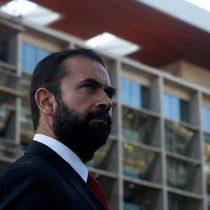 """Partido Comunista respalda a Hugo Gutiérrez y demanda """"total claridad"""" tras control de la Armada al diputado en Iquique"""