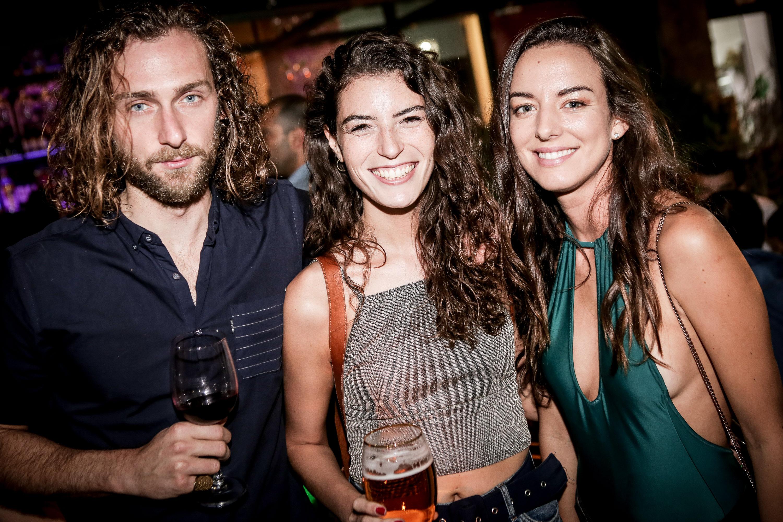Jake Sheehan, Javiera Beltr†n, Beatriz Huber