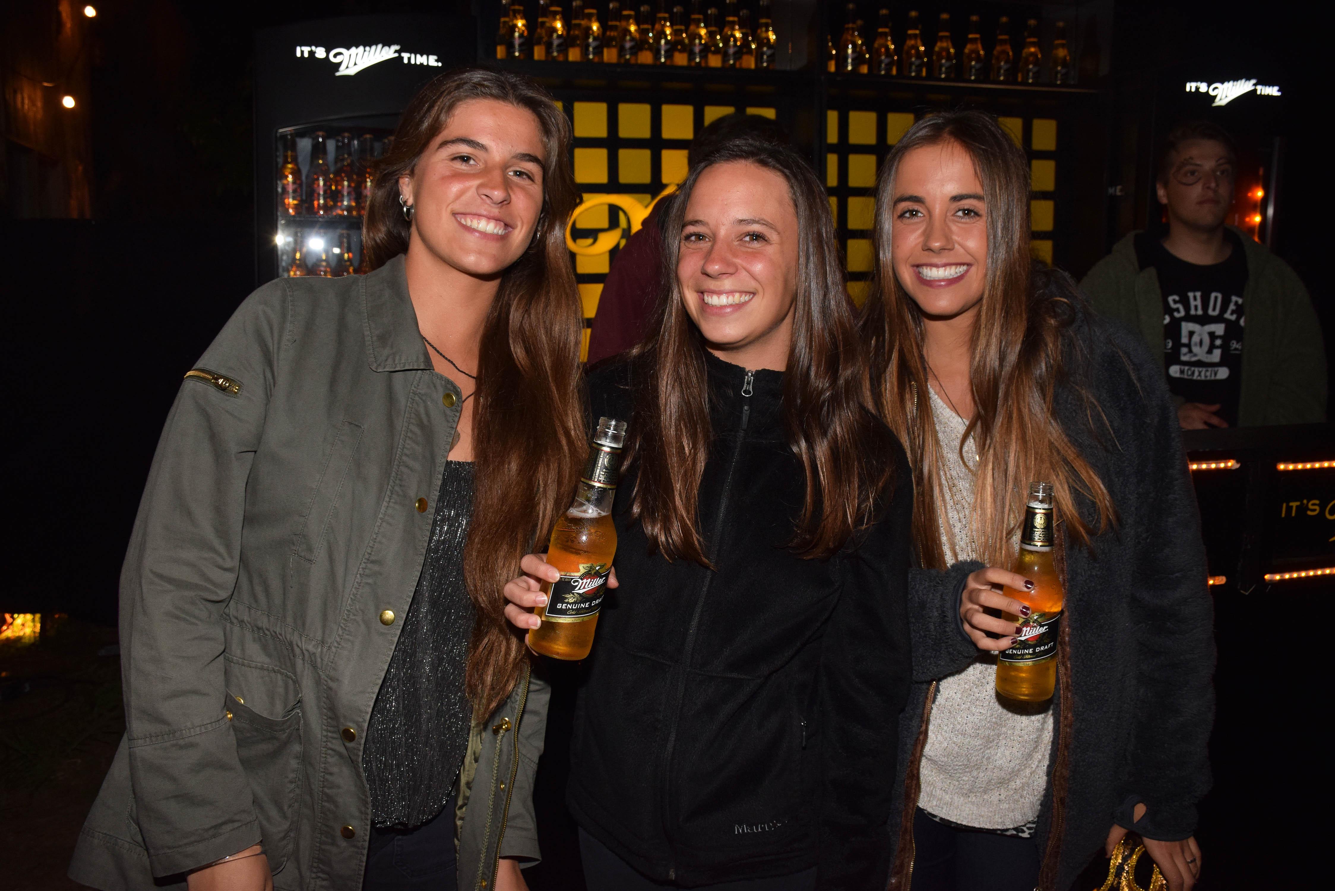 María Jesús Parro, Paloma Echeverría y Catalina Gellona.4JPG