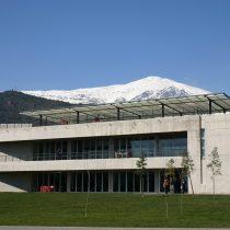 Sindicato de la Universidad del Desarrollo votó huelga por primera vez en 25 años de la casa de estudios