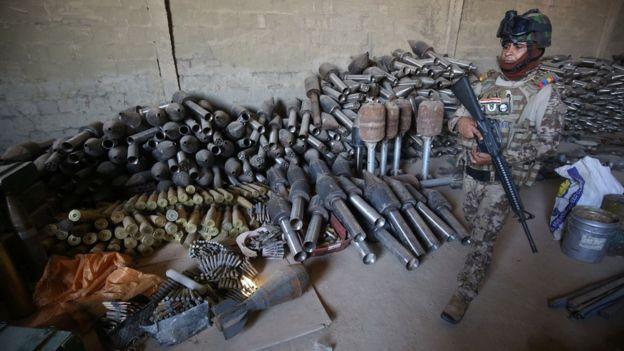 Cómo terminaron en manos de Estado Islámico armas compradas por EE.UU.